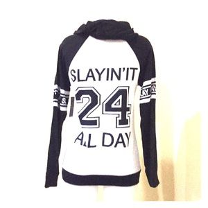 Tops - NWT Slaying it All day hoodie top size M
